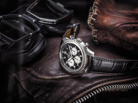 Navitimer_8_B01_with_black_dial_and_black_alligator_leather_strap